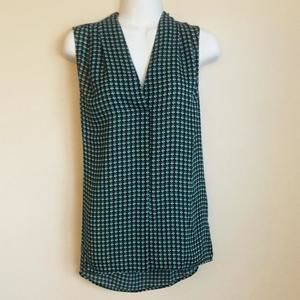 NWT! Laundry  top w/teal/white/black design